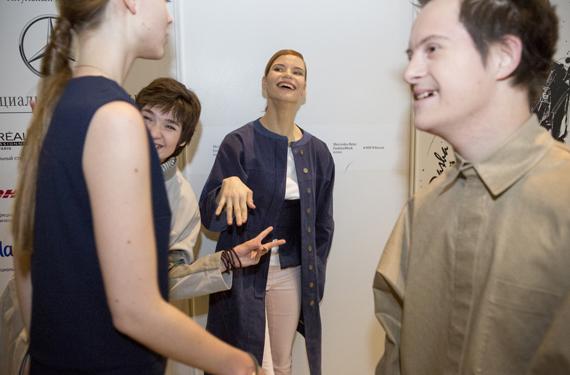 Анастасия Аброскина участвует в разработке дизайна одежды
